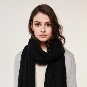 Anthropologie chunky knit scarf